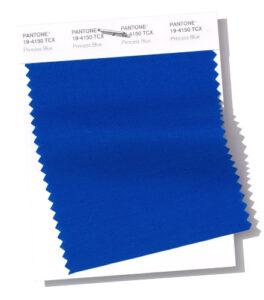 Un color azul dentro del pantrone fashion color report 2019 para el Centro Comercial The Corner Adeje
